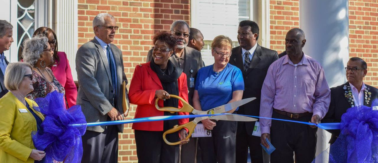 401-Pine-Ribbon-Cutting-Home-Page